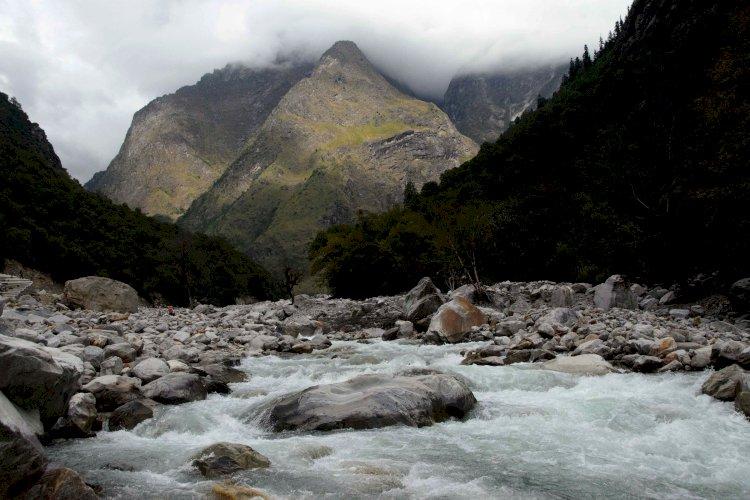 Laxman Ganga river flowing through valley