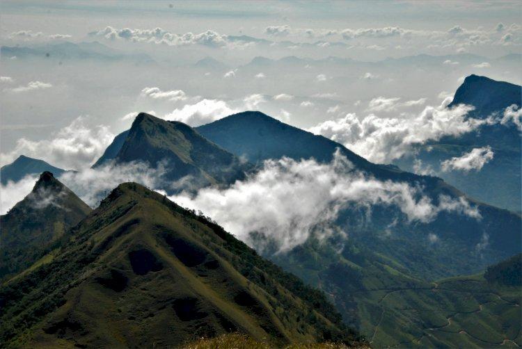 view from Meesapulimala Peak
