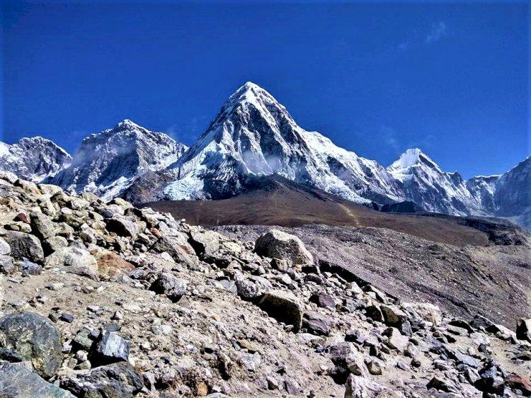 Mount pumori from Gorakshep EBC trek