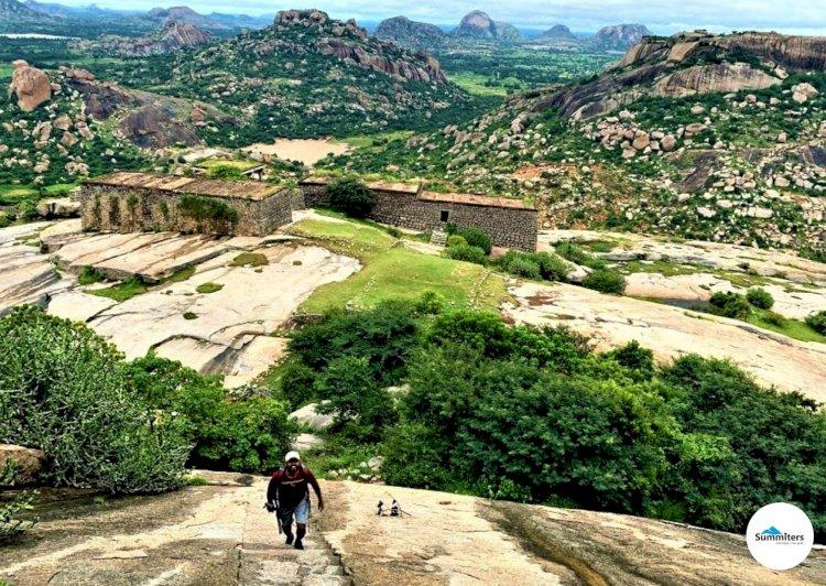 Exploring the lesser known Ratnagiri Fort near Bangalore